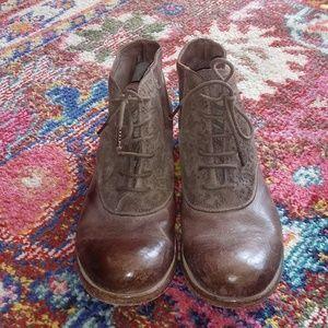 Empresa Leather bootie